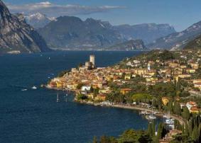 Italy Lakes slider